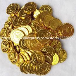 2019 moedas de ouro de brinquedo Coins 100pcs Plástico ouro tesouro do pirata moedas de ouro Props Brinquedos festa de aniversário do pirata dos miúdos Decoração Acessórios 5ZHH203 moedas de ouro de brinquedo barato