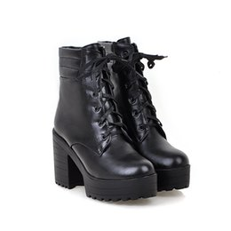 Deutschland Hot Sale-YMECHIC Punk Platform Ankle Boots mit Blockabsatz Weiß Schwarz Chunky Heels Damen Plus Size Herbst Schuhe Goth Motorrad Stiefel cheap white chunky heel platform ankle boots Versorgung