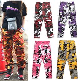 Pantalones cargo camo naranja online-SexeMara Color Camo Camuflaje Pantalones Cargo 2018 Mujeres Hombres Calle Bolsillos Casuales Jogger Tactical Orange Hip Hop Pantalones