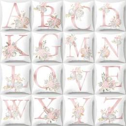 Regalo di cuscini del biglietto di s. valentino online-26 Letters Pillow Case fiore Cuscino Cuscino Copriferro Biancheria da letto decorazione decor regalo di san valentino Divano Home car Decor 44 * 44 cm FFA1578