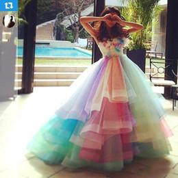 2019 vestido de arco iris hasta A Line Sweetheart Off Shoulder Prom Gowns Lace Up Back Soft Tulle vestidos de novia 2019 New Colorful Rainbow Vestidos de baile A179 vestido de arco iris hasta baratos