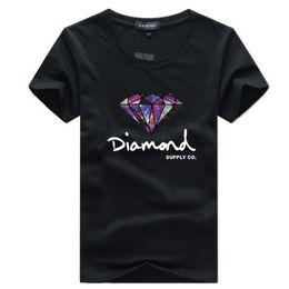 2019 vestiti di diamanti Maglietta da uomo Moda manica corta T Shirt Skateboard Abbigliamento di marca Hip Hop Diamante Stampato Nuova estate Cotone Uomo Top Tees Streetwear sconti vestiti di diamanti