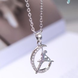 Подвески для балета онлайн-designer jewelry ballet girl pendant necklace moon shape ballet dancer pendant necklace for women hot fashion