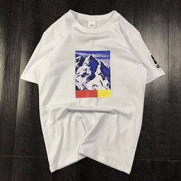 stilvolle männer t-shirts Rabatt Drei Modelle Sommer T-shirt Mit Brief Snow Mountain Männer Tops Kleidung Rundhalsausschnitt Lässige Frauen Kurzarm Hemd M-XXL