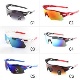 7af5e070b1f9 Gafas de sol deportivas clásicas 6 colores Ciclismo Gafas de sol para hombres  y mujeres Escudo con lentes de espejo UV400 Gafas al aire libre al por  mayor ...