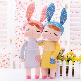 Dibujos animados de conejo bebé online-Juguetes de peluche Animales de peluche Juguetes para niños para niñas Niños Niños Kawaii Baby Plush doll Dibujos animados Angela Rabbit Soft Toys