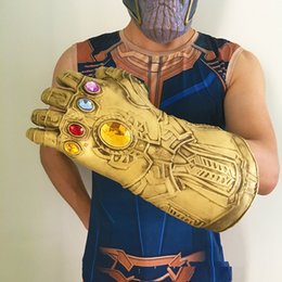 Figura del lattice online-Infinity War Thanos Guanti Halloween Supereroe Cosplay Lattice Infinity Guanti Lunghi Forniture Per Feste Film Figure Prop L240