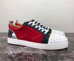 2019 Designer De Luxe Rouge Semelle En Daim En Cuir Strass Strass Spikes Chaussures Hommes Femmes Chaussures Plates Bas-lacets Casual Sneaker Chaussures ? partir de fabricateur