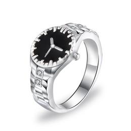Venta caliente Estilo de Reloj de pulsera Unisex Anillos de Dedo Con Cristales 2019 Nuevos Hombres Mujeres Joyería Anillos Accesorios desde fabricantes