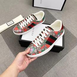 2019 New Hot Strawberry Sneakers Designer di lusso per uomo e donna Scarpe casual Scarpe da ginnastica in vera pelle di alta qualità moda lace-up 35-45 da