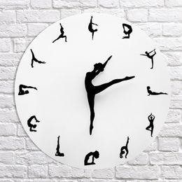 2019 мраморный аккумулятор Йога позы настенные часы тренажерный зал фитнес гибкая девушка тихие современные часы Часы Главная стены Арт-Декор медитация декор студия йоги расслабиться подарок