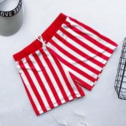 Mens tronchi da nuoto rossi online-Donna Uomo Coppia Costume da bagno Donna Bikini Uomo Stripe Board Pantaloncini Costume da bagno Costume da bagno Beach Surf Boardshort Blue Red 2020