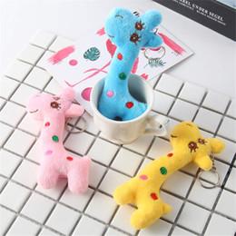 Giraffenschlüsselring online-New Plüschspielzeug Giraffe Hirsch Handytasche Schlüsselring kleine Anhänger Puppenzubehör Geschenke werfen