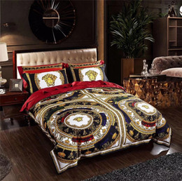 patterned duvets Coupons - Black V Goddess Bedding Sets 4PCS Suit New Noble Design Golden Print Duvet Cover Set Flower Complex Patterns Bedding Suit Home Textiles