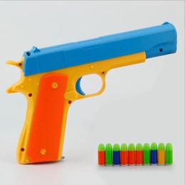 Веселые классические игры онлайн-Классический пистолет детские игрушечные пистолеты Soft Bullet Gun пластиковые Revolver Kids Fun Открытый игровой шутер безопасности