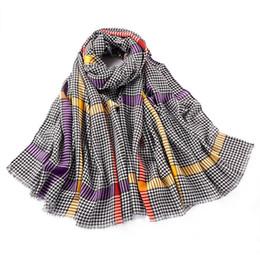 Argentina Otoño e invierno nueva bufanda de las mujeres a cuadros de rayas bufandas largas cachemira cálida suave del mantón de la alta calidad de las mantas del poncho envuelve Suministro