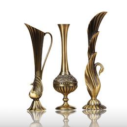 Petites bouteilles de fleurs en Ligne-Européen rétro paon vase en alliage métallique or / bronze petit vase table moderne antique maison créative fleur décorative bouteille / pichet