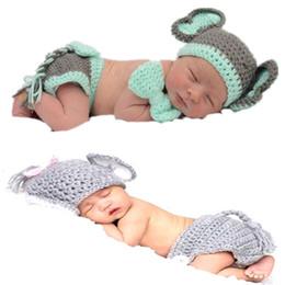 Trajes de animales hechos a mano online-Lindo crochet hecho a mano estilo animal disfraz elefante ropa tejida niño y niña ropa hermosa leche material de algodón Bebé accesorios de fotos