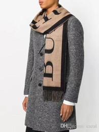 Marque de luxe d hiver Top 100% cachemire écharpe pour les femmes et les  hommes 2018 Designer grandes écharpes à carreaux Pashmina Infinity écharpes f4169583b6c