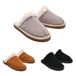 Sandalias de invierno de las niñas online-Tamaño CALIENTE 36-41 WGG diapositivas de las mujeres de invierno de lujo de la cubierta de piel Marca de chicas calientes sandalias zapatillas de casa de las chancletas con Spike dama sandalia