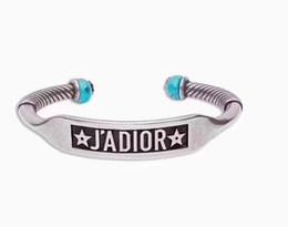 Wholesale Bracelet en laiton de conception classique de mode en laiton avec turquoise naturelle bracelet en argent pour femme ajustable pour hommes et femmes