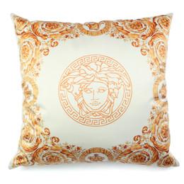 2019 travesseiro real Nordic royal luxo local ouro simulação de alta precisão abraço de seda fronha almofada casa sofá de mogno almofada de cetim almofada travesseiro desconto travesseiro real