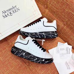 Großhandel neuesten Männer und Frauen Serie Freizeitschuhe hochwertige Mode meistverkaufte Marke Schuhe Designer Sport Laufschuhe von Fabrikanten