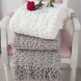 Canada Nouvelle arrivée américaine style plaid canapé-lit crochet couverture jet avec gland chenille voyage couvertures couvre-lit 2 couleurs supplier american bedspreads Offre
