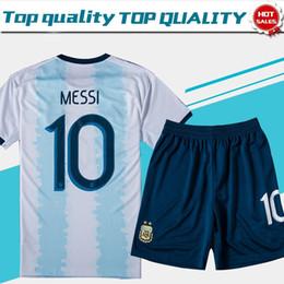Equipo de uniformes de futbol kit online-2019 Argentina # 10 MESSI casa Camisetas de fútbol 19/20 kits de fútbol del equipo nacional # 9 KUN AGUERO # 22 LAUTARO uniformes de fútbol personalizados + pantalones