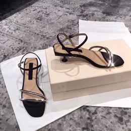 calçados de cristal do salto do gatinho Desconto Sandálias de Salto de gatinho Mulheres Sandália Diariamente Sapatos De Couro De Luxo Preto Moda Sapato Tornozelo Quadrado Toe Com Cristais Femininos Sandálias