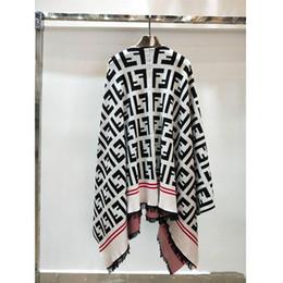 Cappotto caldo all'aperto invernale femminile di modo delle nappe di modo delle donne del capo di inverno per il regalo di Halloween da