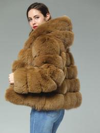 Gabardinas de cuero marrón online-60 cm de largo Camel Brown personalizado piel verdadera Transversal rayas patchwork de cuero de la capa encapuchada outwear la chaqueta del invierno Trench con capucha