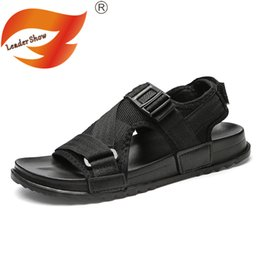 2019 fashion sandales pu Leader Show Hommes Sandales En Plein Air D'été Sandales Casual Mode 2019 Nouvelle Vente Chaude Respirant Hommes Mâle Confortable Chaussure promotion fashion sandales pu