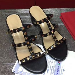 bf4dd4fe73ce4 2019 summer slippers rivets open toe flat sandals thick with slippers  women s beach shoes outdoor shoes fashion sandals
