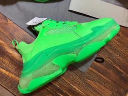2019 свернуть квартиры 2019 Мода Paris 17FW Triple-S Обувь Темно-Зеленый Triple S Повседневная обувь Папа Обувь для Мужчин Женщин Бежевый Черный Спорт Теннис 35-45