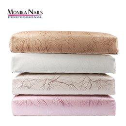 2019 cojines de almohada de cuero Monika PU Resto de la mano de cuero para las uñas Cojín Nail Salon Soporte de la mano Reposabrazos Manicura Nail Art Accesorios Herramienta cojines de almohada de cuero baratos