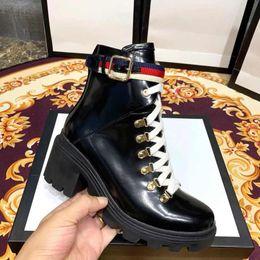 bottes directes d'usine Promotion 2019 nouvelles bottes d'hiver d'automne Womans chaussures en cuir usine de ruban direct talon rugueux femelle tête ronde automne hiver Martin Bottes avec boîte
