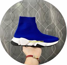 2019 chaussettes blanches pour homme en gros Vente en gros homme femme Speed Trainer Casual chaussettes noir blanc chaussures de haute qualité Stretch-Knit High Top chaussures de créateurs de mode Drop Ship chaussettes blanches pour homme en gros pas cher