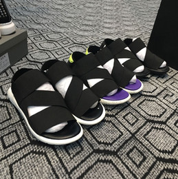 Новый человек мягкий сандал онлайн-Новые Bashyo Y-3 QASA Сандалии Горячие Мужчины Женщины черный белый синий Противоскользящие Быстросохнущие уличные тапочки Мягкая вода Пляжные кроссовки Обувь