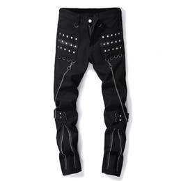 светлый цвет брюки мужчины Скидка Chain Hoist Black Men Denim Jeans Solid Color Fake Zippers Nail Bead Male Cowboy Pants Casual Light Stretch Fashion Tide