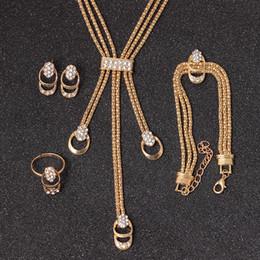 2019 einfacher halsringring Goldschmuck Sets Für Frauen Rose Gold Farbe Kristall Halskette Ohrring Armband Ring Set Strass Neue Einfache Party Kleid Schmuck Set günstig einfacher halsringring