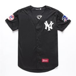 2020 baseball-stil t-shirts frauen Atmungsaktives amerikanisches Hip-Hop-Cardigan mit loser Stickerei für Herren und Damen. Weiches, elastisches und bequemes T-Shirt günstig baseball-stil t-shirts frauen