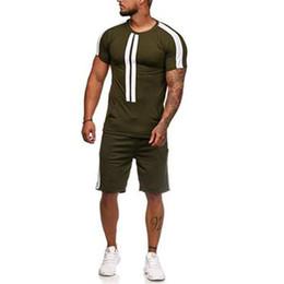 Männer kontrastfarben anzug online-2019 neue Männer Kurzarm-Anzug Mode Kontrastfarbe Streifen Rundhalsausschnitt Kurzarm Outdoor-Sport-Casual Herrenbekleidung