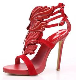 Tacones de gladiador sandalias de gamuza online-Hot Kardashian Luxury Women Suede Cruel Bombas de verano Pulido Hoja de metal dorado Alado Gladiador Sandalias Zapatos de tacón alto con caja original