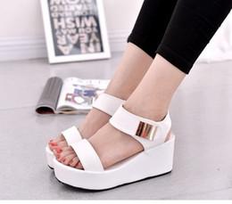 2019 корейская мода клин обувь Женские корейские стилистические туфли на высоком каблуке Lady Fashion Сандалии на высоком каблуке WHITE дешево корейская мода клин обувь