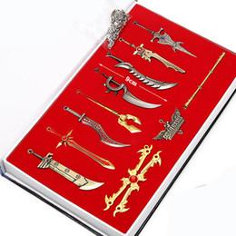League of Legends LOL 11 Edizione da collezione LOL in scatola Characters portachiavi pendente per portachiavi auto vendita calda online supplier legends weapon pendants da ciondoli d'armi leggende fornitori