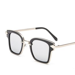 0f834498509 2019 Hot Arrow Sunglasses Fashion Designer Flat Mirror Glasses Designer  Square Sunglasses High Quality UV Protection Popular Brand Eyewear