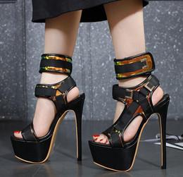 2020 talon haut 17cm 17cm avec boîte rome de style talons ultra design talons hauts avec des femmes de créateurs de luxe de la mode boucle chaussures noir blanc talon haut 17cm pas cher