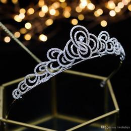 Coronas de baile de calidad online-Calidad superior de novia de la boda de dama flor blanca Cubic Zirconia niñas chapado de circón corona de la tiara / diadema para el prom