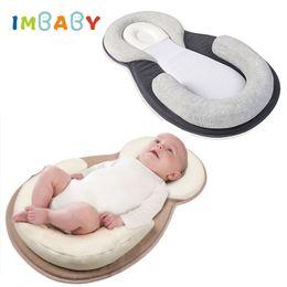 Posicionador infantil almohada online-Cómodo Almohada para bebé Dormir infantil Posicionador Almohada para bebé Cojín antivuelco Rollover Prevención Colchón recién nacido